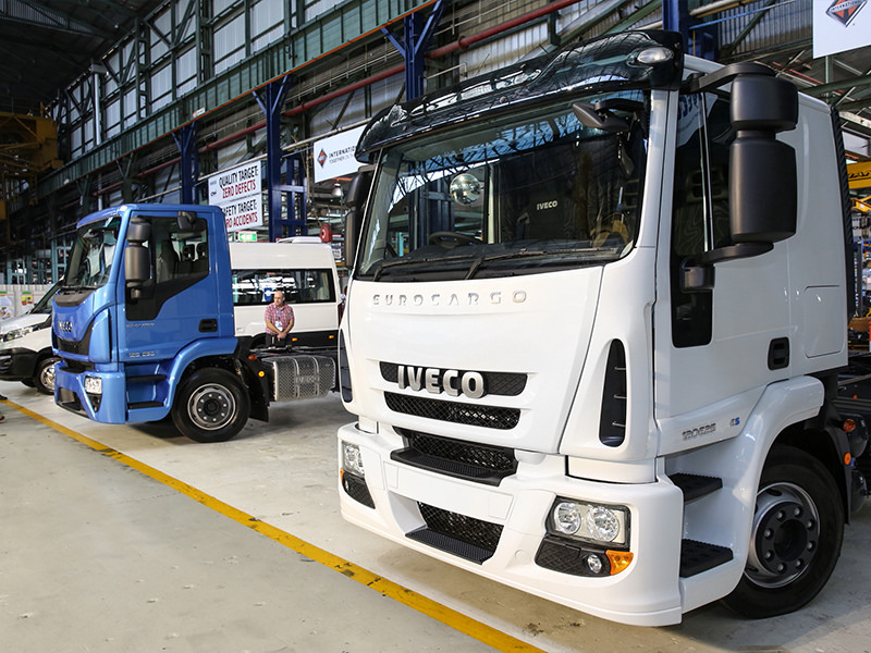 Iveco will initially offer both Euro 5 (foreground) and Euro 6 versions of Eurocargo.